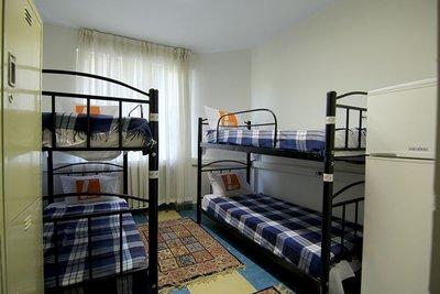 ایتالیا - ۱ از ۴ تخت