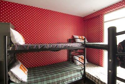 امیران قیطریه - ۱ تخت از ۶ تخت