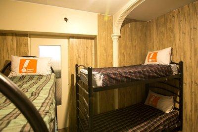 امیران قیطریه - ۱ تخت از ۴ تخت