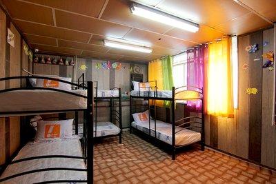 بهشت - ۱ تخت از ۶ تخت