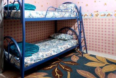 شکوفه - ۱ تخت از ۲ تخت