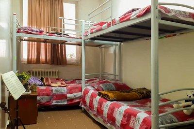 فاطمی - ۱ تخت از ۸ تخت