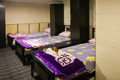 کیان - ۱ تخت از ۶ تخت